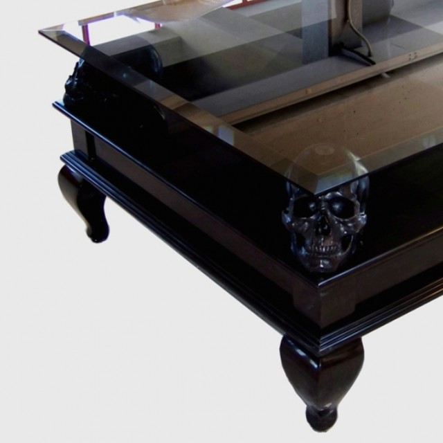 Black Skull Table